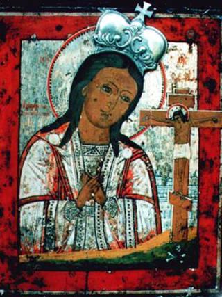 Ахтырская икона Богородицы в короне