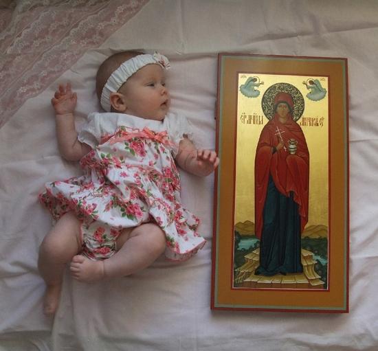 Мерная икона и младенец
