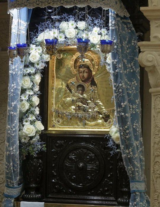 Чудотворная икона Божией Матери «Милостивая» в Соборе Зачатьевского монастыря