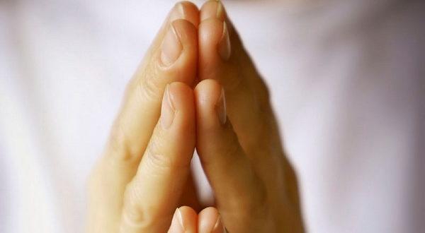 Какие молитвы читать утром и вечером