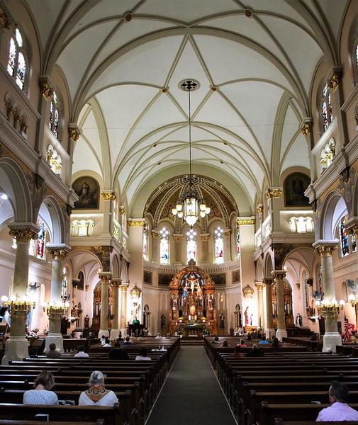 Церковная служба в католической церкви