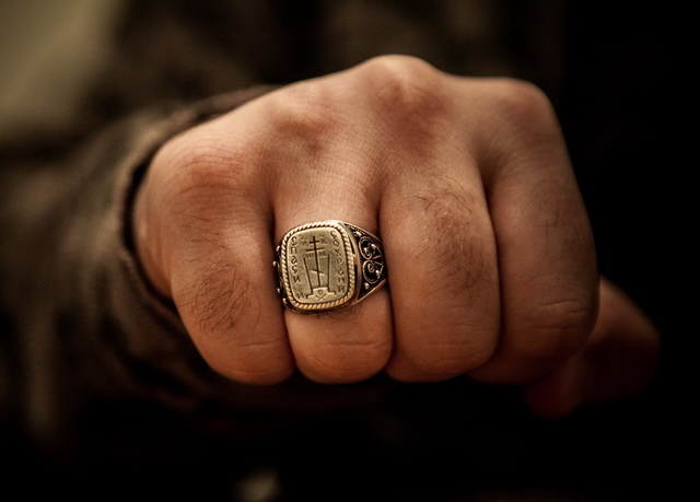 Кольцо с надписью Спаси и Сохрани