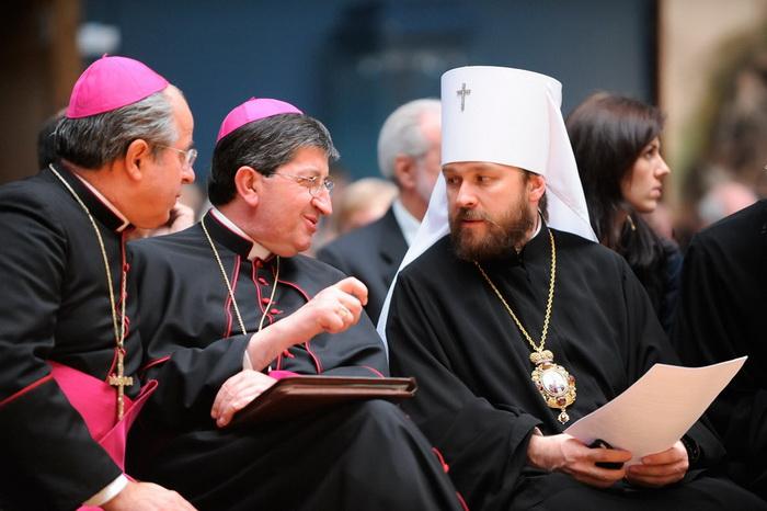 Священники православной и католической церквей