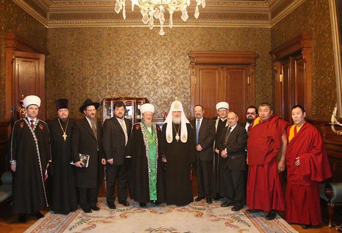 Представители всех религий