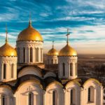 Шлемовидные купола Успенского собора во Владимире