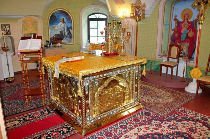 Престол в церкви Введения во храм Пресвятой Богородицы
