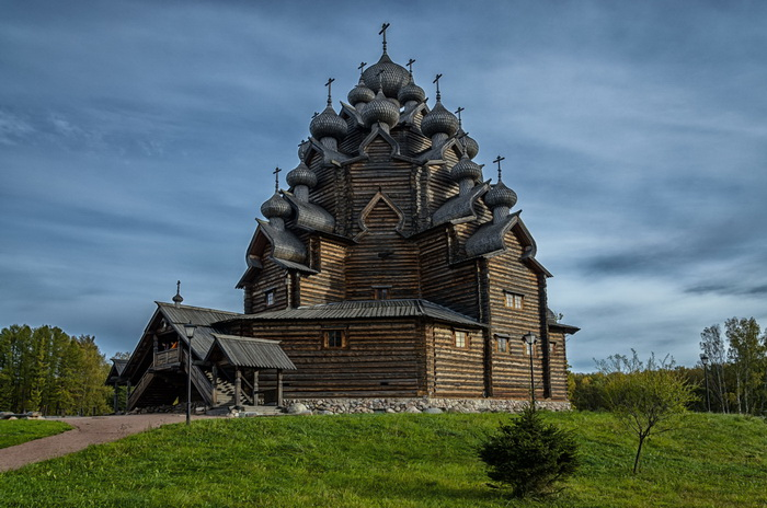 Покровская церковь в усадьбе Богословка