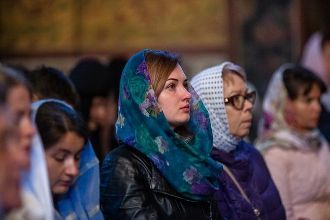 Женщины в церкви