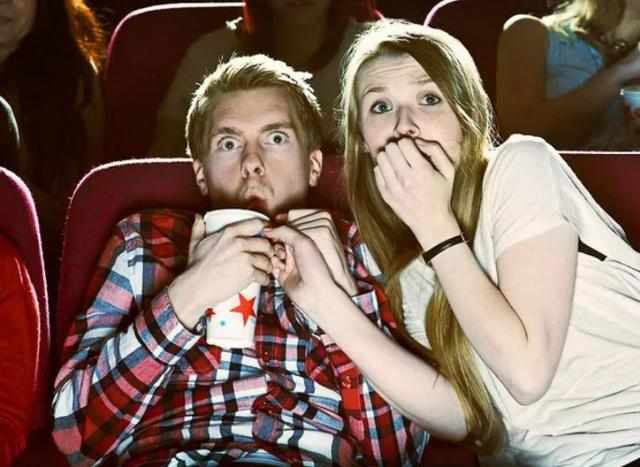 Зрители в кино